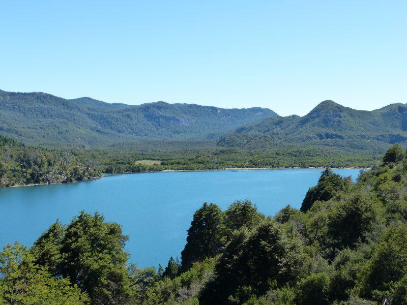 Na Jawě napříč Jižní Amerikou –Až na konec světa! Jezero u Silnice sedmi jezer.