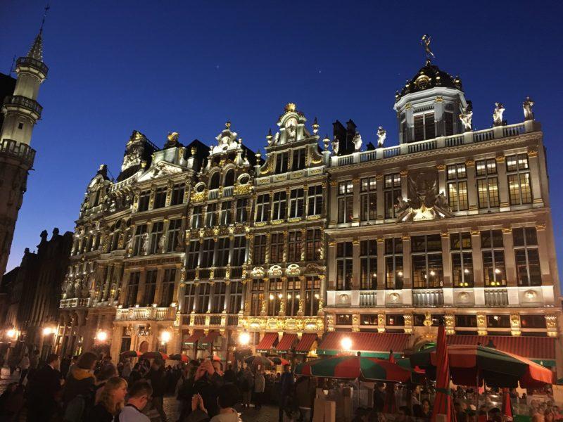 Večerní náměstí Grand – Place