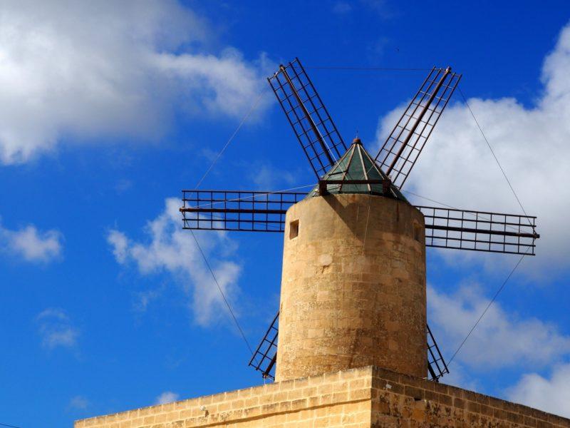 Soukromý větrný mlýn, Qala, Gozo.