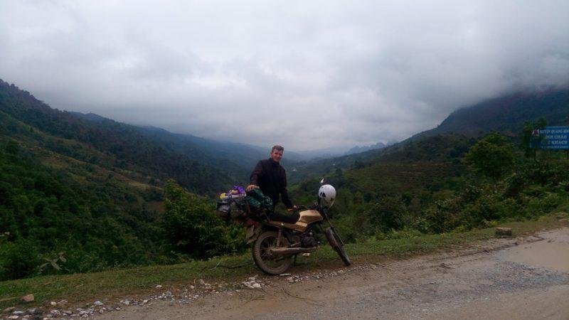 Já, můj stroj a kopce v Ha Giang
