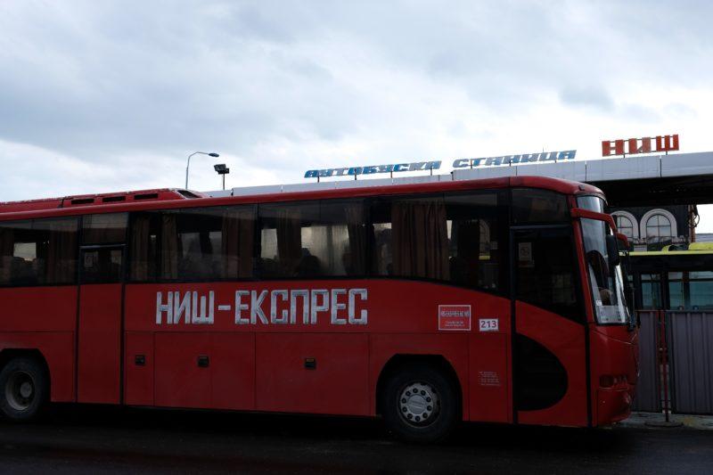 Na autobusovém nádraží v Niši