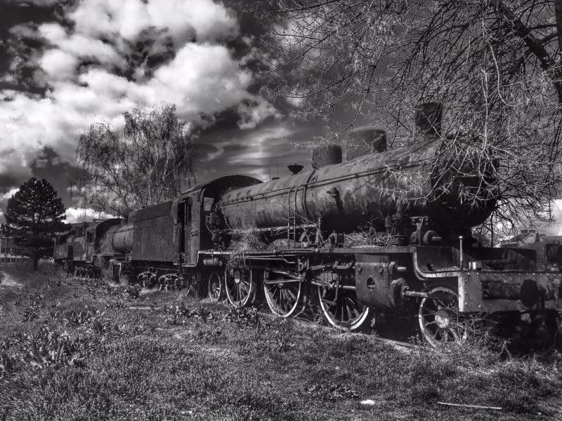 Opuštěná lokomotiva nedaleko nádraží, Niš