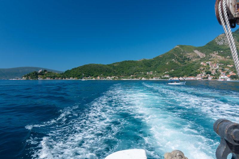Pohled z trajektu přes Boku Kotorskou.