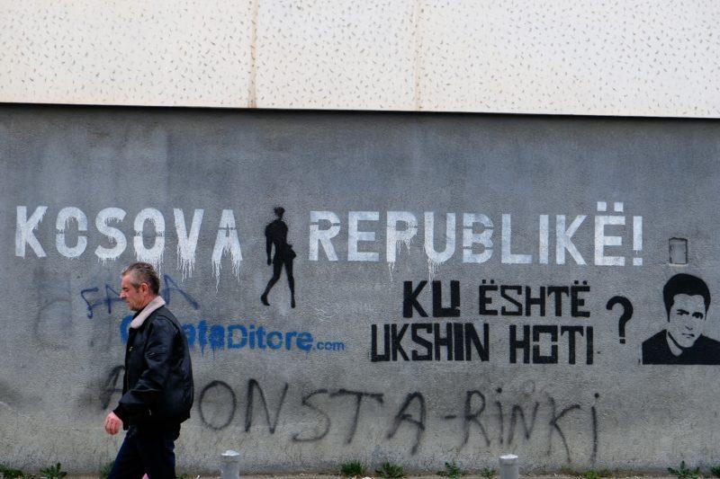 V ulicích Prištiny, Kosovo