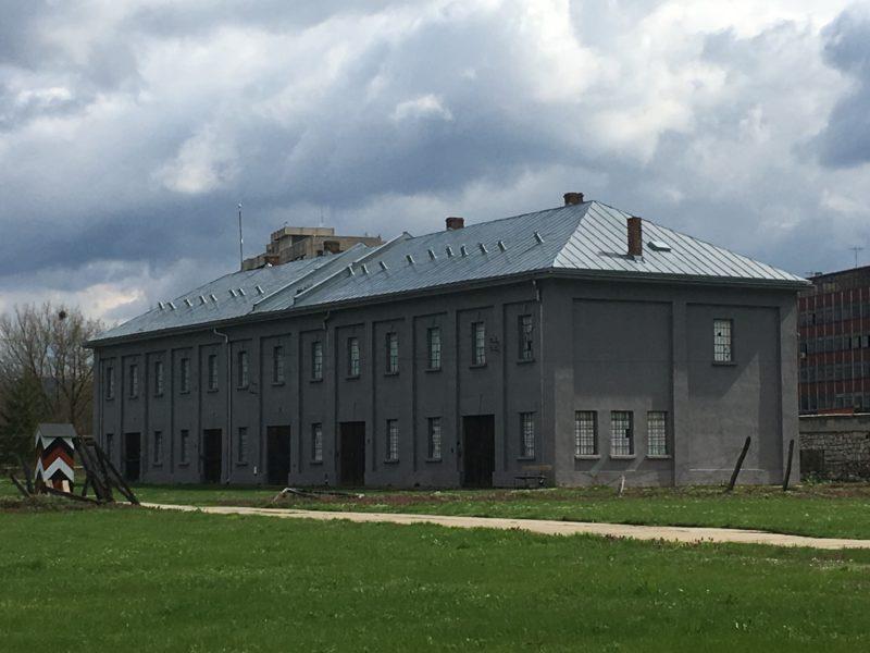 Jedna z budov koncentračního tábora