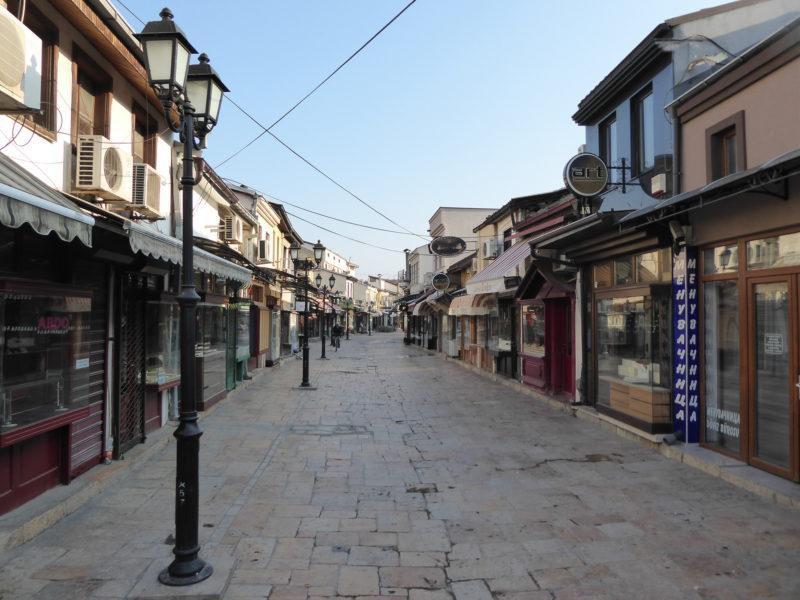 Nedělní ráno v uličkách Starého bazaru
