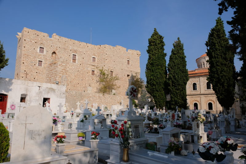 Hřbitov u kostela z roku 1824