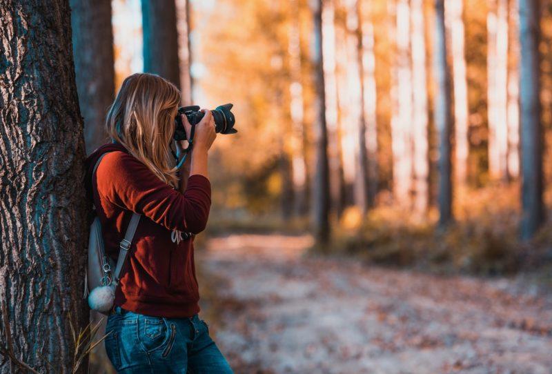 Fotografování zrcadlovkou přináší skvělé výsledky. Potřebujete s ní ale skutečně fotit i na cestách?