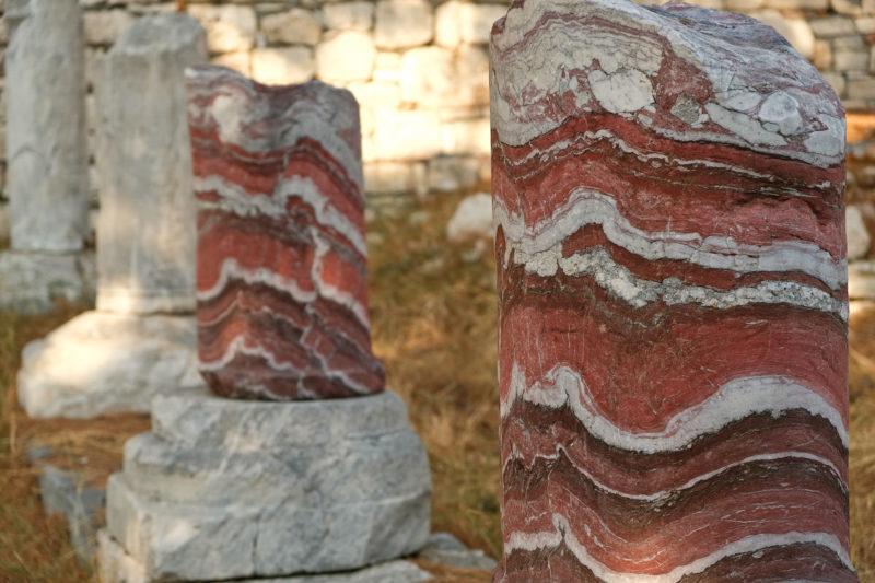 Zbytky sloupů v lokalitě Pythagoreion