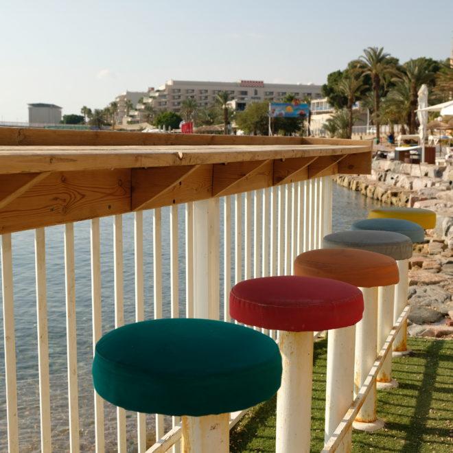 Bar vedle pláže
