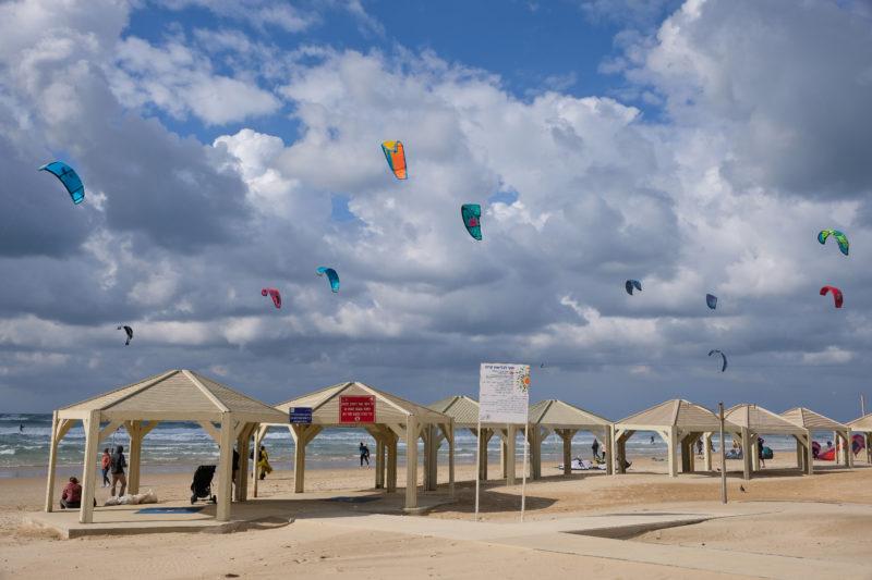 Na mořském pobřeží v Tel Avivu