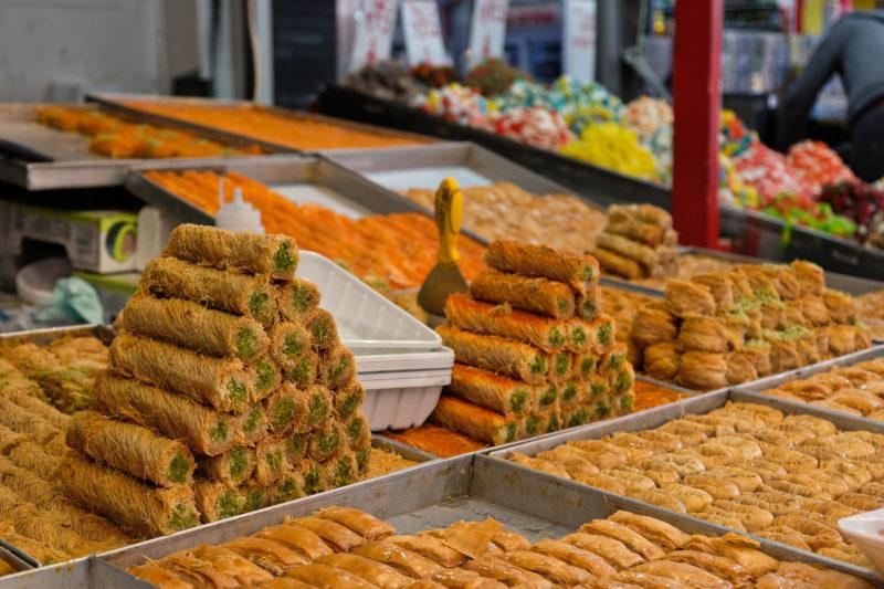 Na trhu Carmel Market v Tel Avivu