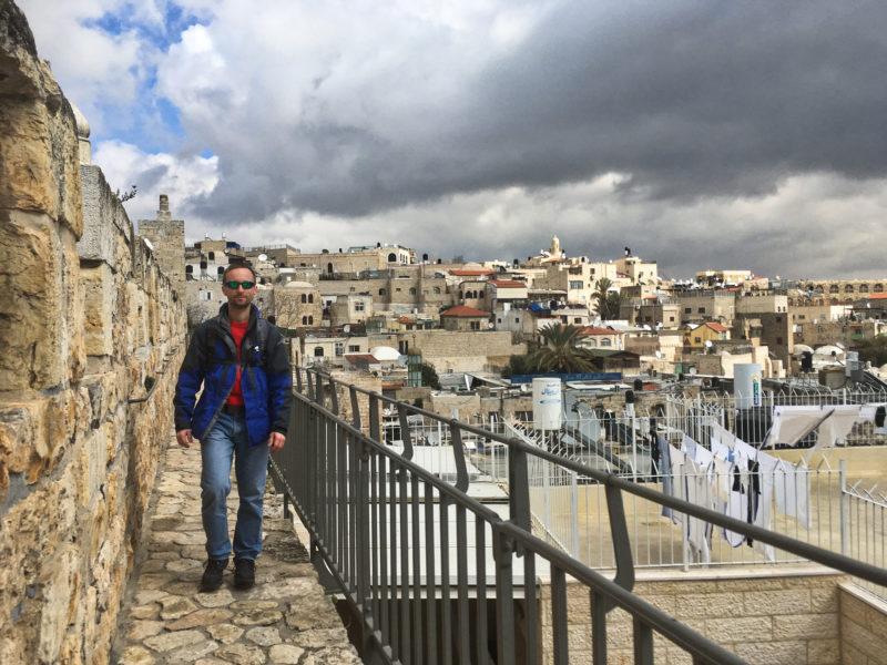 Objevování Jeruzaléma z hradeb stálo opravdu za to.