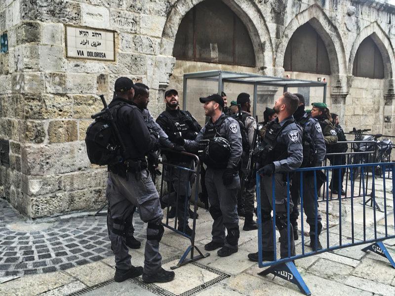 Křížová cesta pod pečlivou ochranou, jako mnoho dalších míst v Izraeli