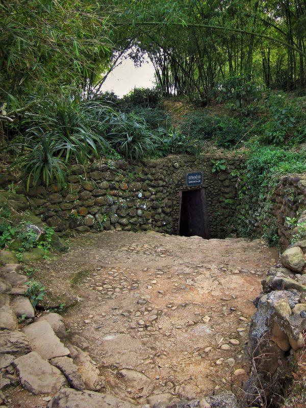 Vstup do tunelu Vinh Moc.