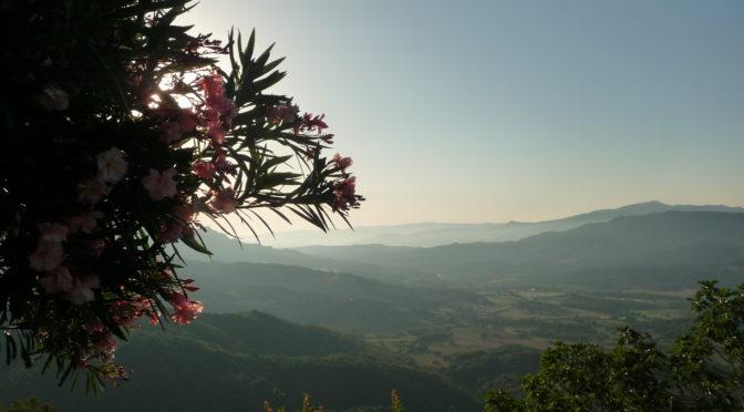 Vjako Vendeta – město Sartène na Korsice