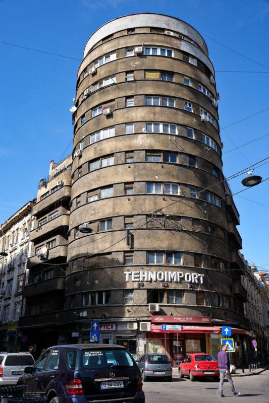 Budova Tehnoimport z roku 1935 - některým se děsně nelíbí, někteří si ji oblíbili