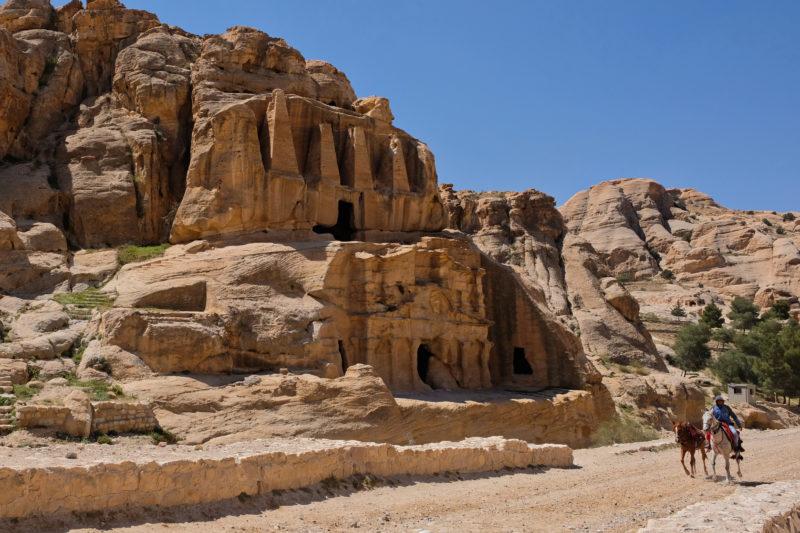 První pamětihodnost - brána Bab Al Siq