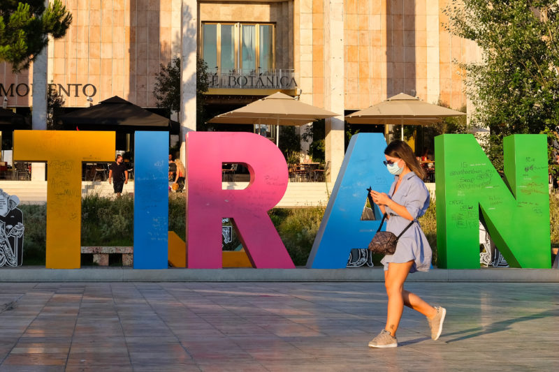 Tirana rouška