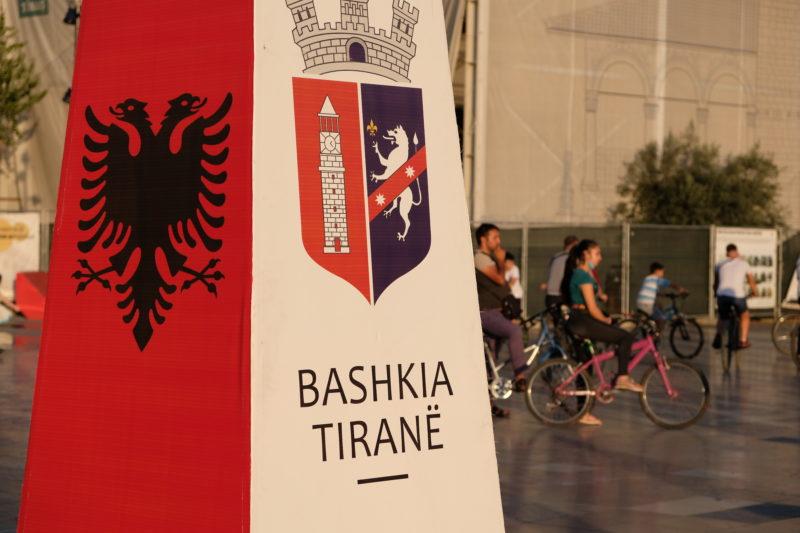 Symboly Albanie a Tirany