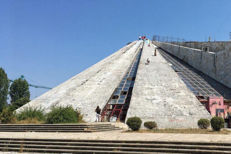 pyramida Tirana