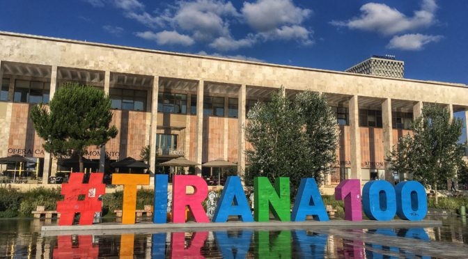 Albánská Tirana a okolí v době koronavirové
